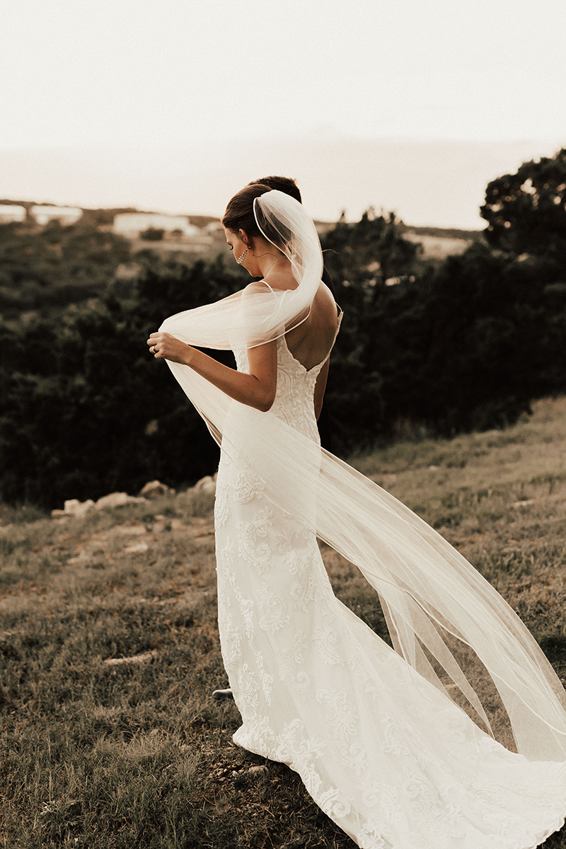 megan-joel-canyonwood-ridge-dripping-springs-texas-wedding-photographer-bride-groom-44.jpg