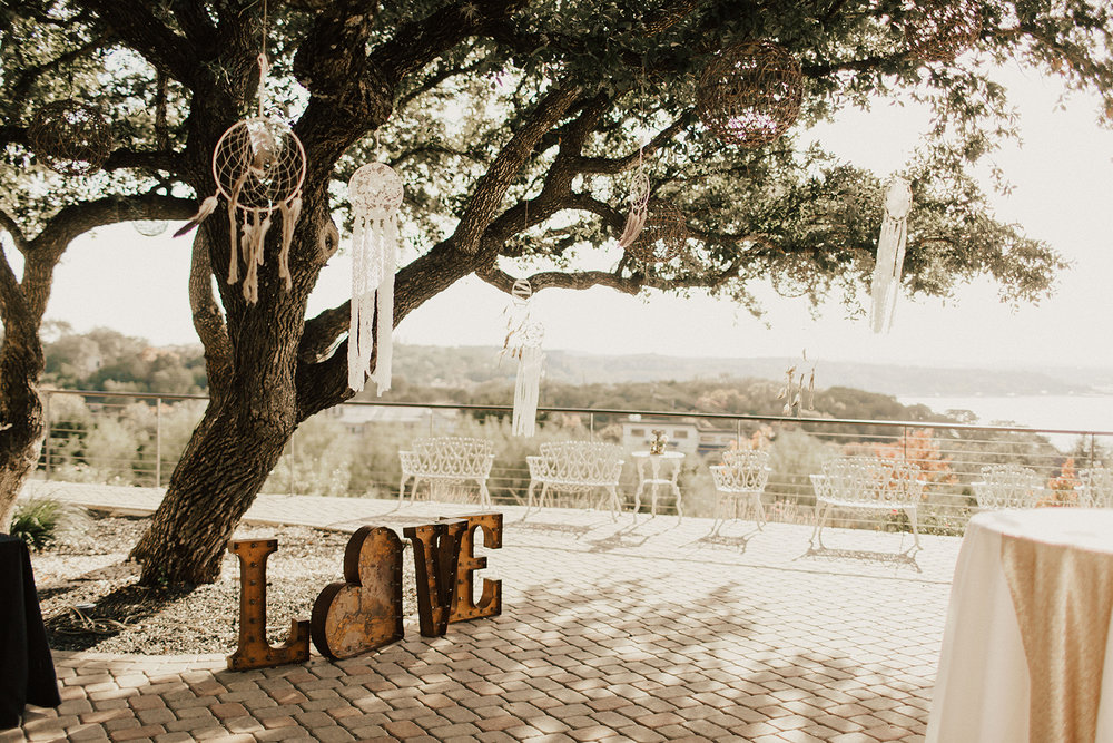 allie-tyler-vintage-villas-austin-texas-wedding-photographer-402.jpg