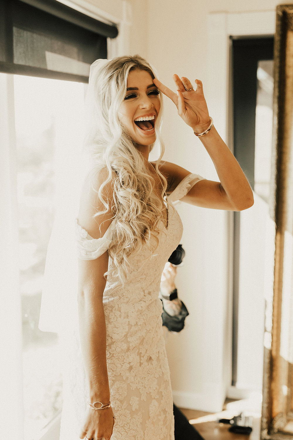 allie-tyler-vintage-villas-austin-texas-wedding-photographer-1126.jpg