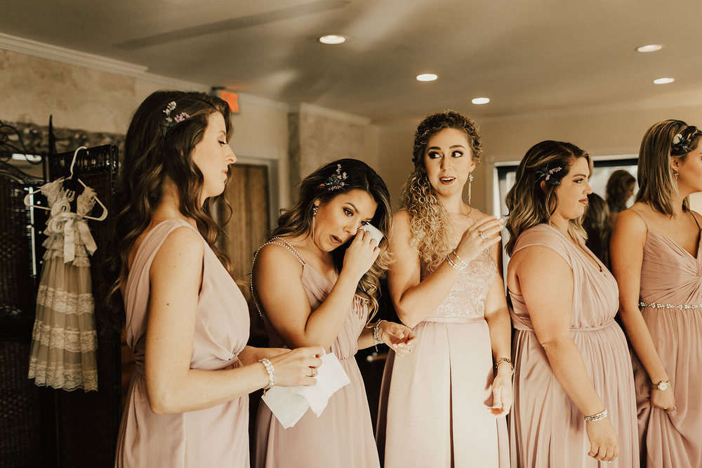 allie-tyler-vintage-villas-austin-texas-wedding-photographer-1143.jpg