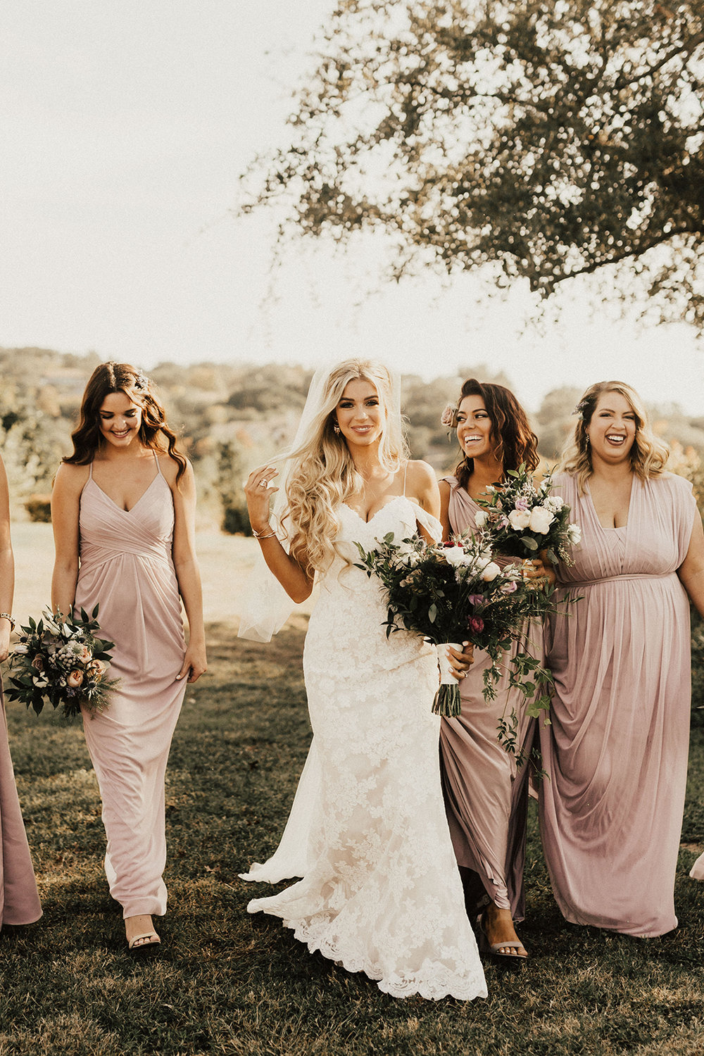 allie-tyler-vintage-villas-austin-texas-wedding-photographer-1536.jpg