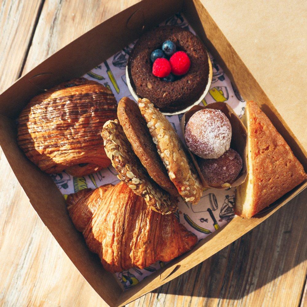 Pastry+Box-1.jpg