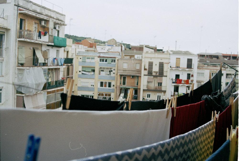 barcelona close pins