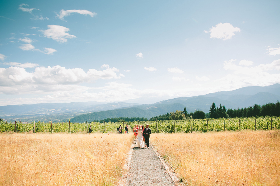 Gorge-Crest-Vineyards-Wedding-047