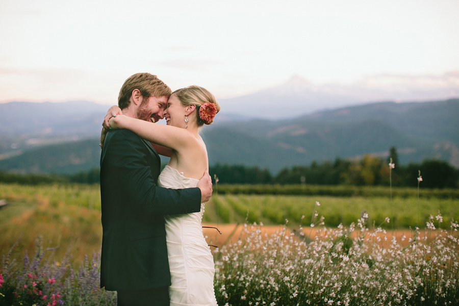 Gorge-Crest-Vineyards-Wedding-122