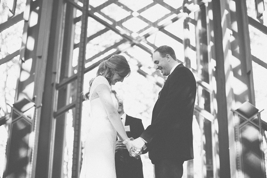 Thorncrown-Chapel-Wedding-Photographs-054