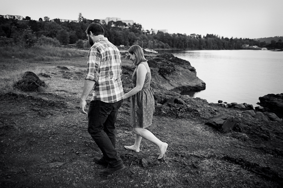 Elk-Rock-Island-Engagement-Photographs-15.jpg