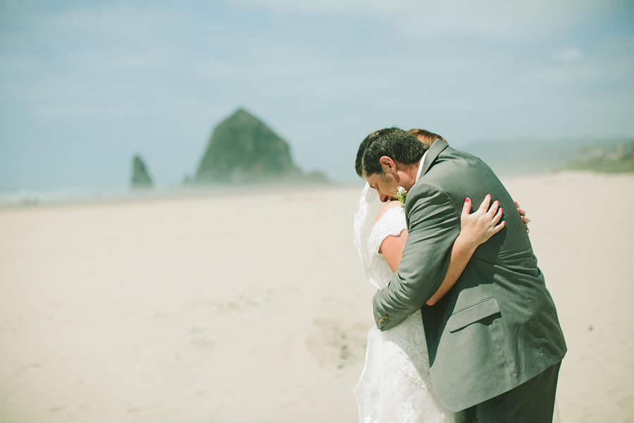 Cannon-Beach-Wedding-011.JPG