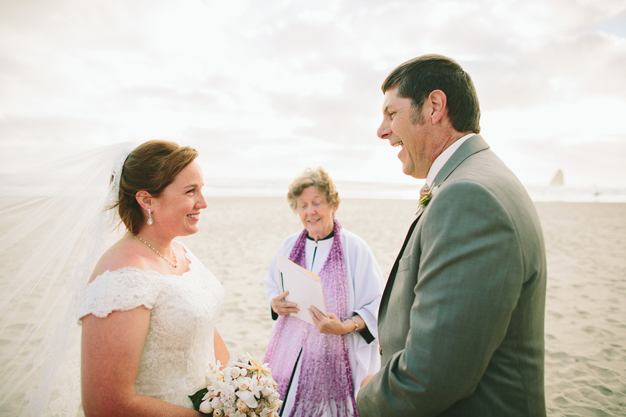 Cannon-Beach-Wedding-043.JPG