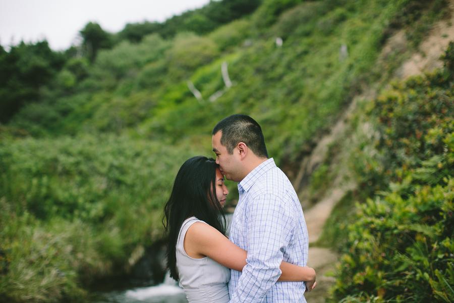 Cannon-Beach-Engagement-Photographs-3.jpg
