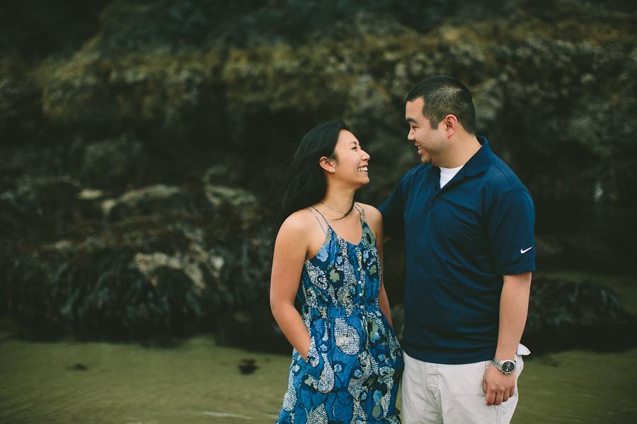 Cannon-Beach-Engagement-Photographs-25.jpg