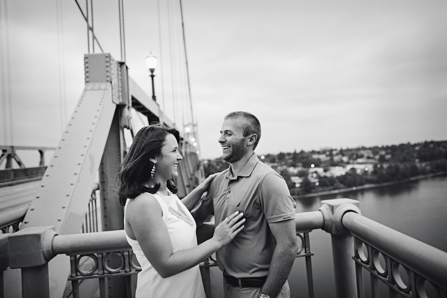 St-Johns-Bridge-Engagement-Photographs-4.jpg