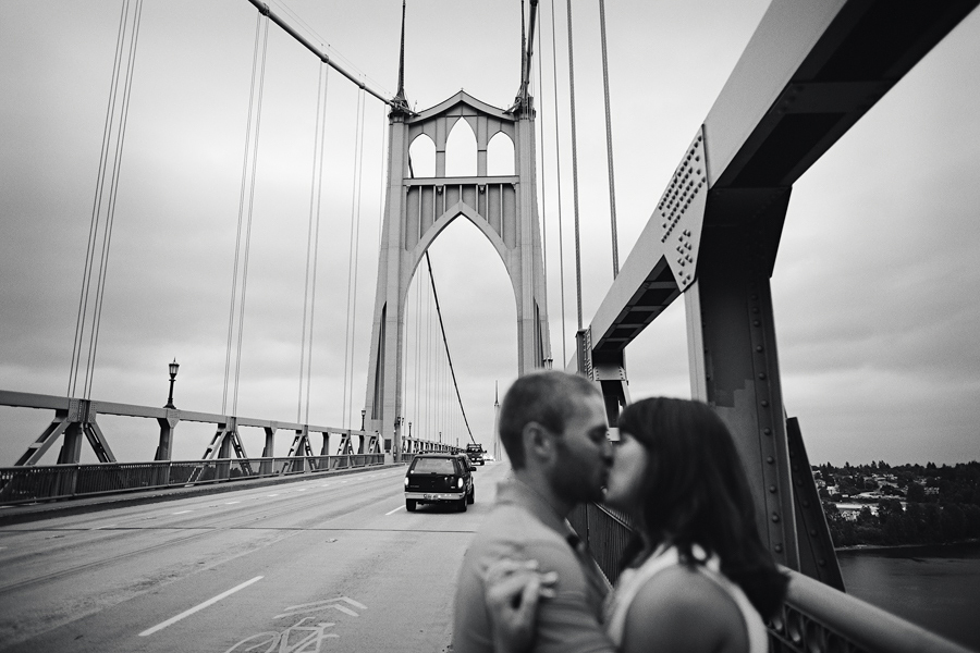 St-Johns-Bridge-Engagement-Photographs-11.jpg