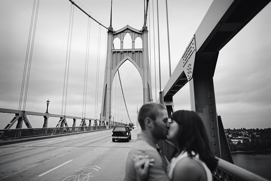 St-Johns-Bridge-Engagement-Photographs-11.jpg