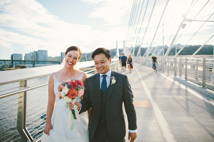 Tilikum-Crossing-Wedding-Photographs-3.jpg