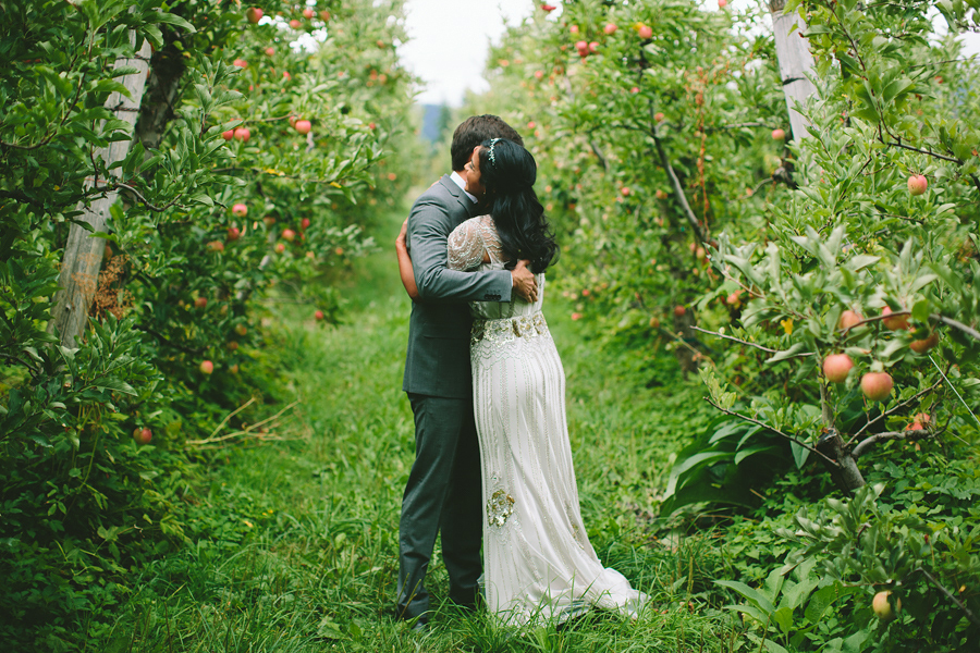 Mt-Hood-Organic-Farms-Wedding-15.jpg