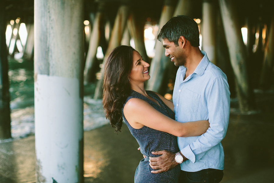 Santa-Monica-Pier-Engagement-Photographs-30.jpg