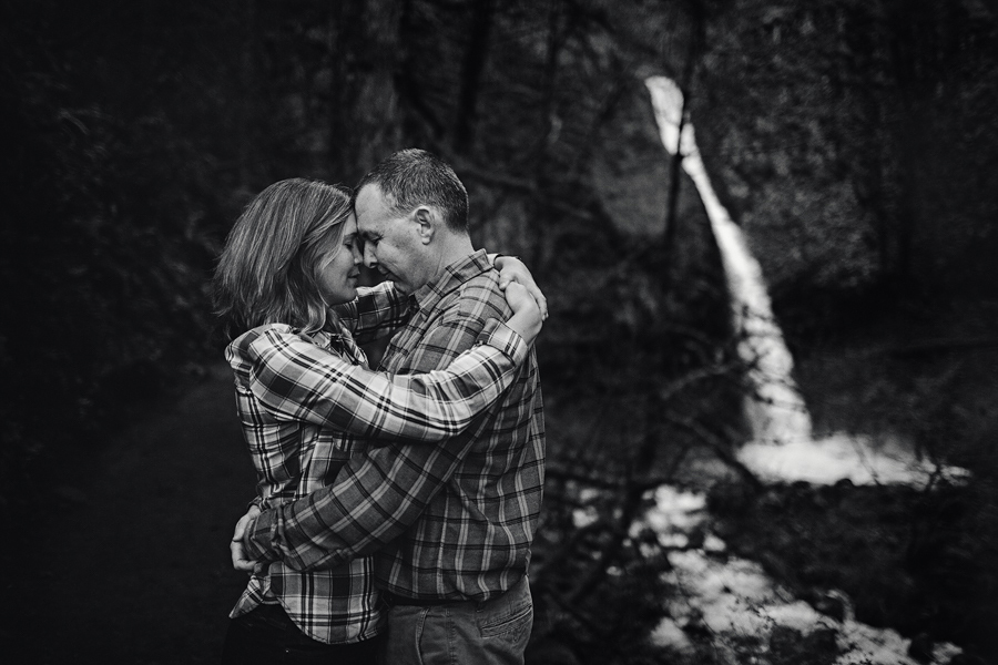 Horsetail-Falls-Engagement-Photographs-18.jpg