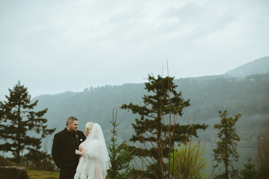 Columbia-Cliff-Villas-Wedding-33.jpg