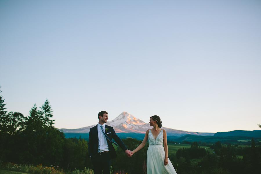Mt-Hood-Organic-Farms-Wedding-11.jpg