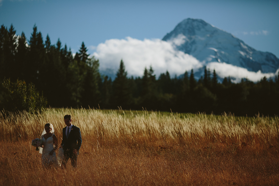 Mt-Hood-Bed-and-Breakfast-Wedding-Photos-8.jpg