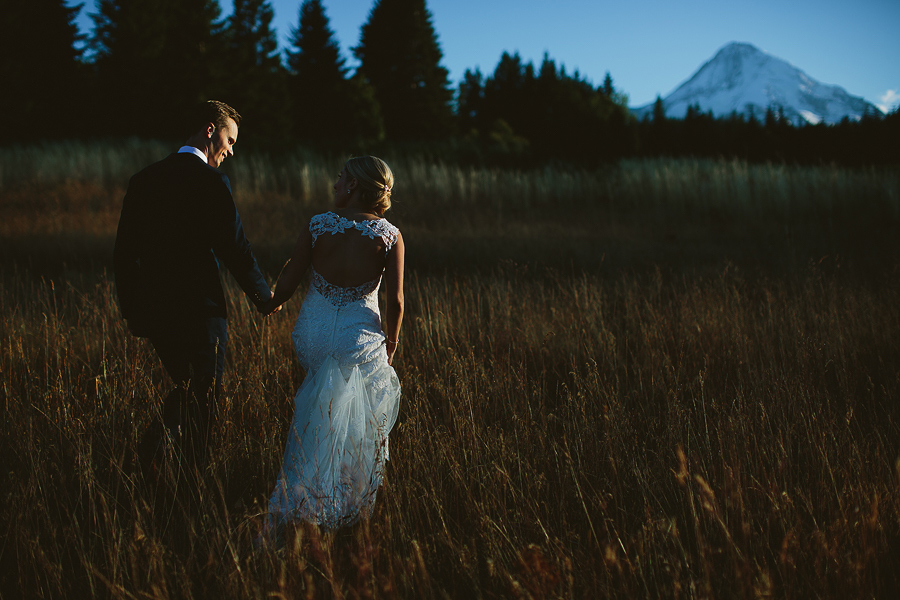 Mt-Hood-Bed-and-Breakfast-Wedding-Photos-11.jpg
