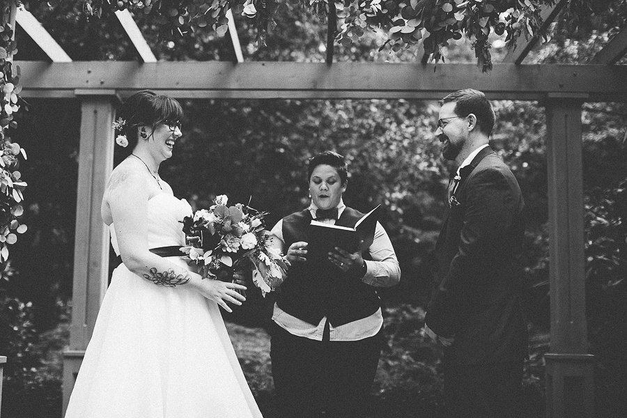 The-Leach-Botanical-Garden-Wedding-Photographs-4.jpg