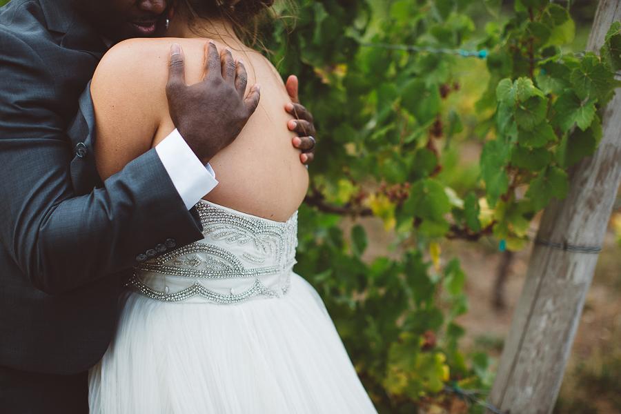Gorge-Crest-Vineyards-Wedding-Photographs-6.jpg