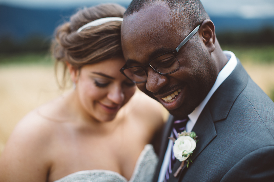 Gorge-Crest-Vineyards-Wedding-Photographs-7.jpg