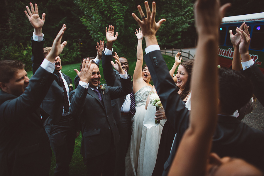 Gorge-Crest-Vineyards-Wedding-Photographs-8.jpg
