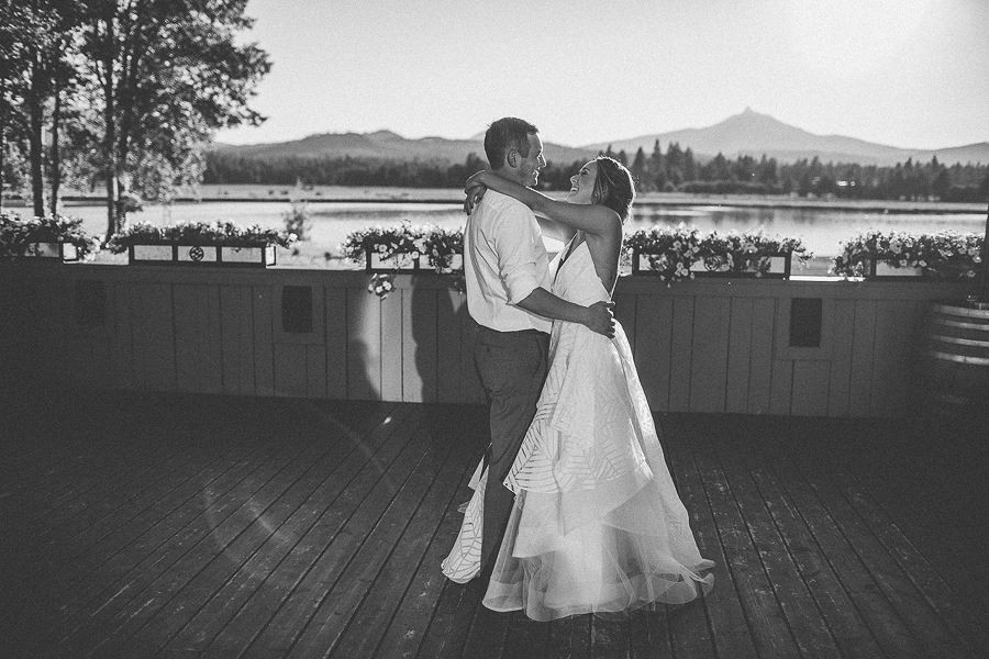 Black-Butte-Ranch-Wedding-Photos-8.jpg