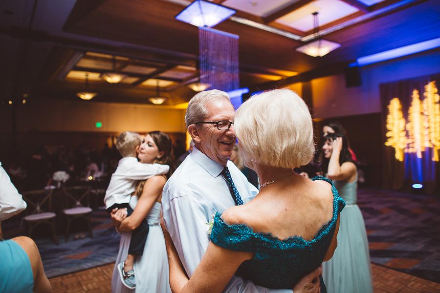 Skamania-Lodge-Wedding-Photos-111.jpg