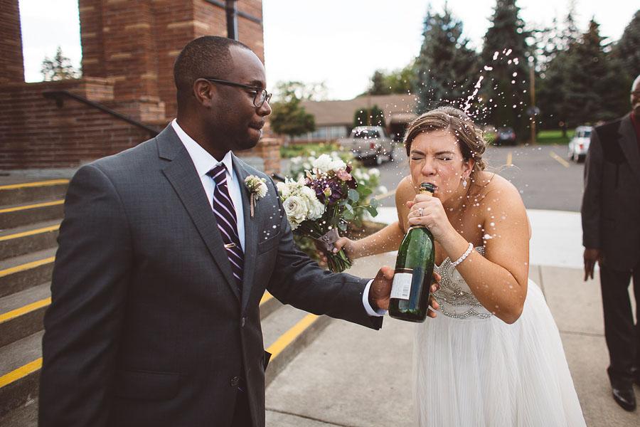 Gorge-Crest-Vineyards-Wedding-Photographs-41.jpg