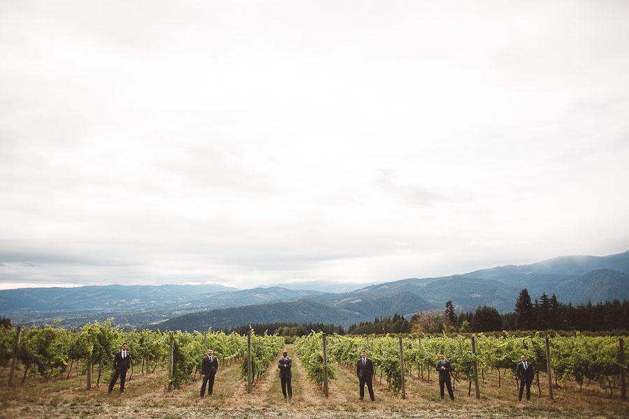 Gorge-Crest-Vineyards-Wedding-Photographs-44.jpg