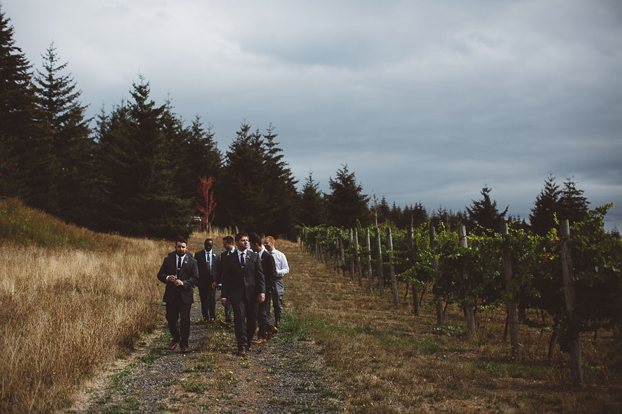 Gorge-Crest-Vineyards-Wedding-Photographs-47.jpg