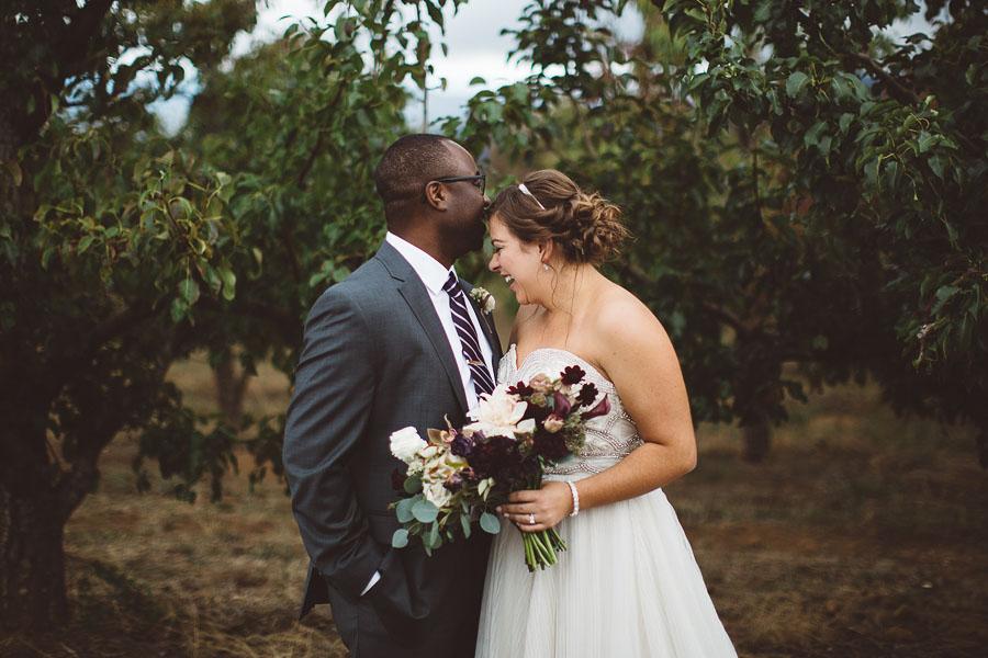 Gorge-Crest-Vineyards-Wedding-Photographs-54.jpg