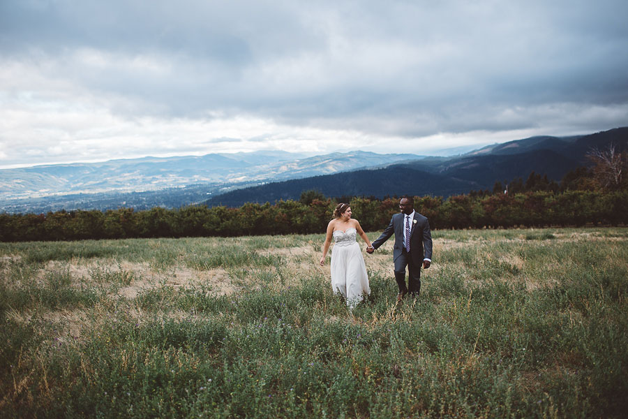 Gorge-Crest-Vineyards-Wedding-Photographs-60.jpg