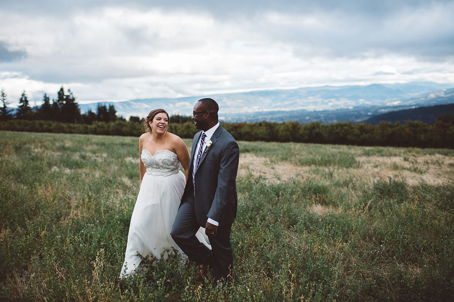 Gorge-Crest-Vineyards-Wedding-Photographs-64.jpg