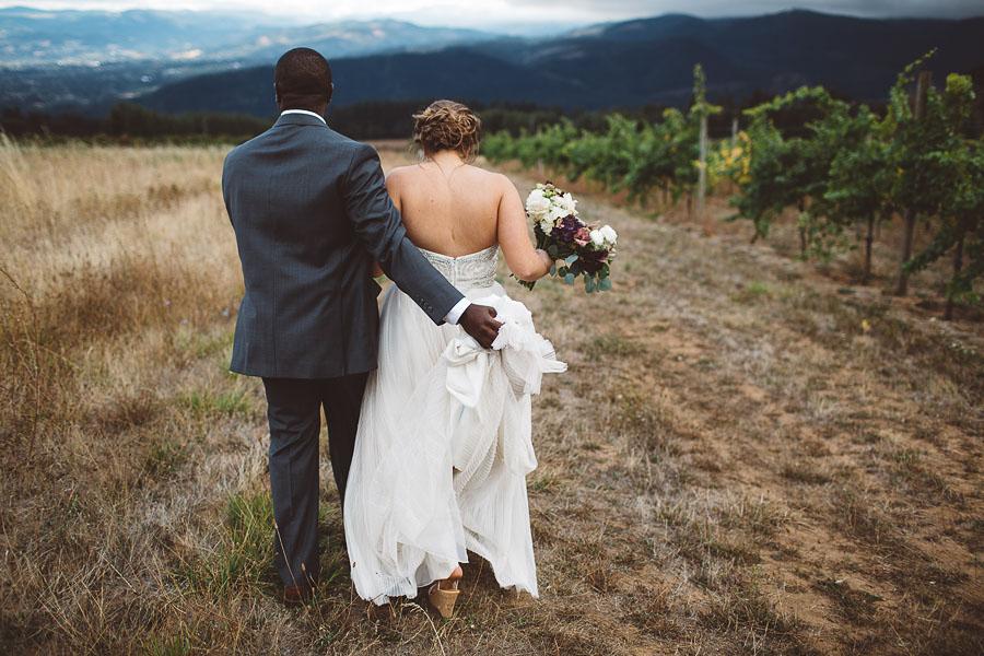 Gorge-Crest-Vineyards-Wedding-Photographs-66.jpg