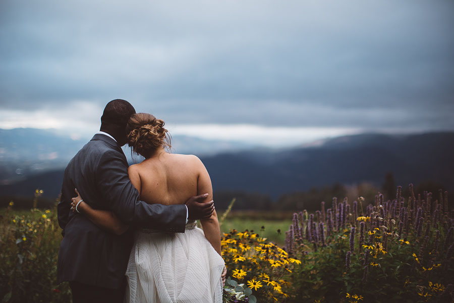 Gorge-Crest-Vineyards-Wedding-Photographs-74.jpg