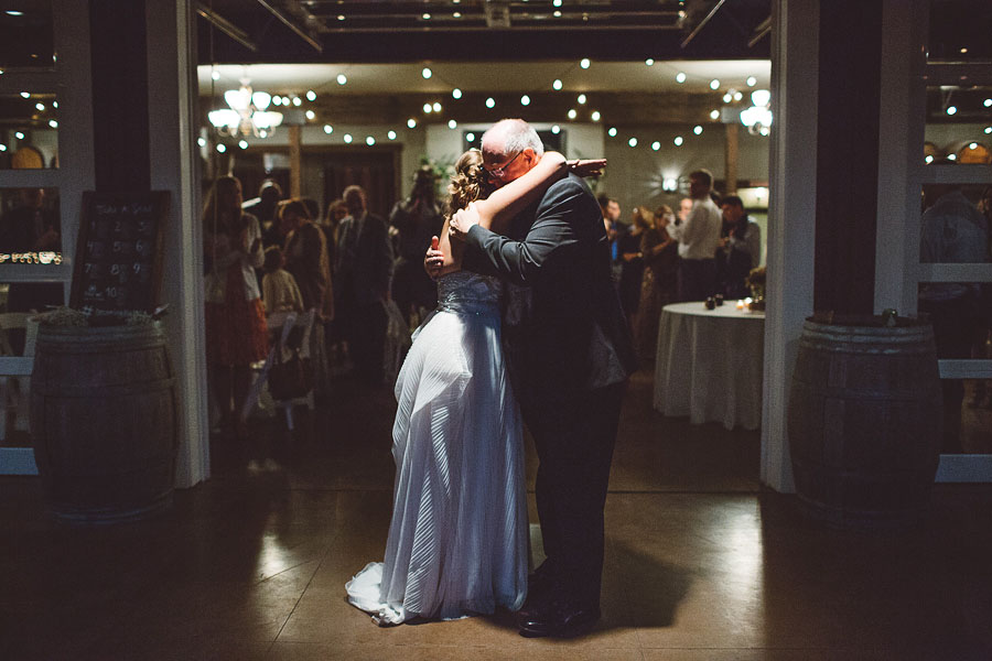 Gorge-Crest-Vineyards-Wedding-Photographs-100.jpg