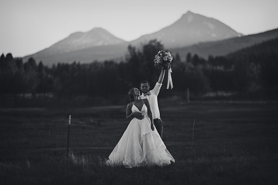 Black-Butte-Ranch-Wedding-Photos-148.jpg