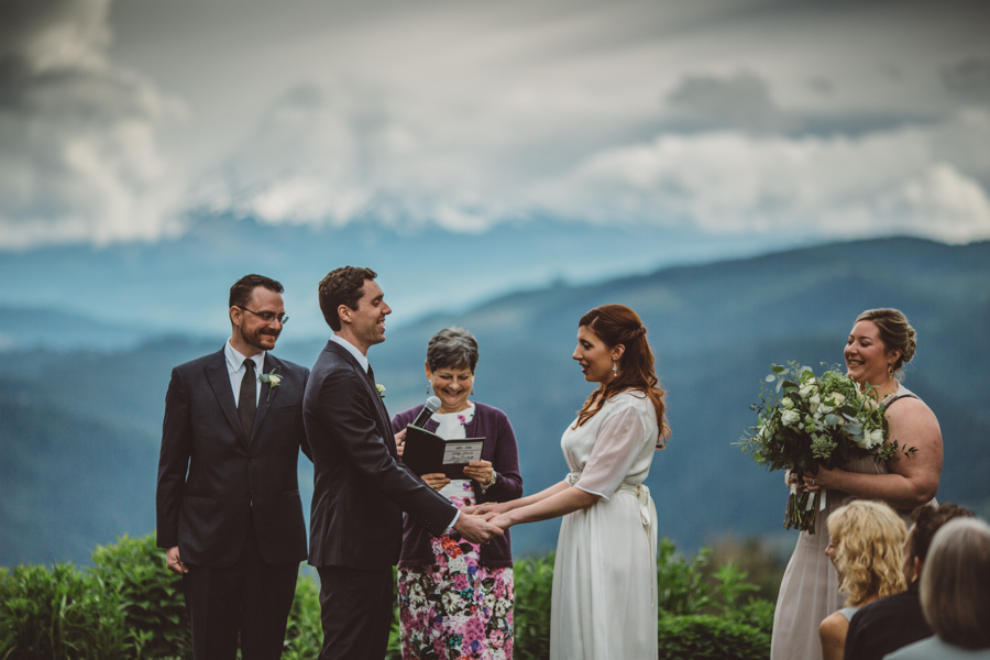 Gorge-Crest-Vineyards-Wedding-7.jpg