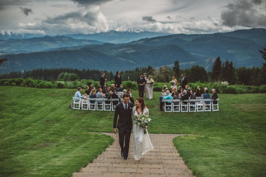 Gorge-Crest-Vineyards-Wedding-8.jpg
