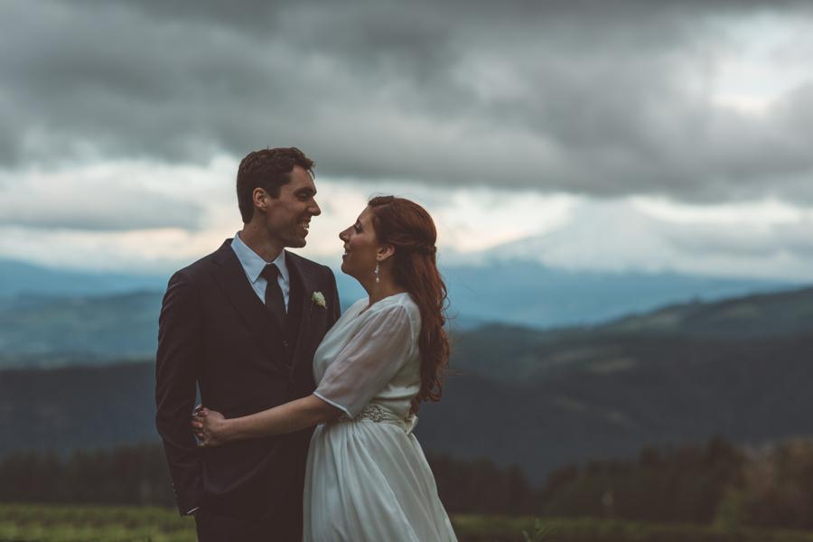 Gorge-Crest-Vineyards-Wedding-12.jpg
