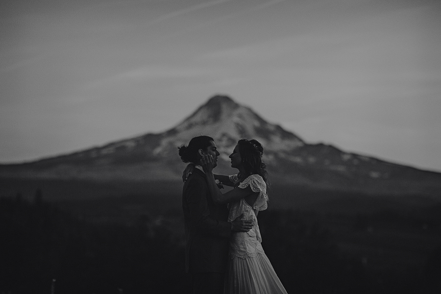 Mt-Hood-Organic-Farms-Wedding-Photographs-146.jpg