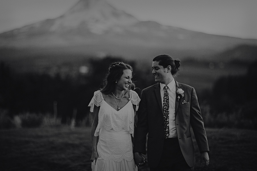 Mt-Hood-Organic-Farms-Wedding-Photographs-157.jpg