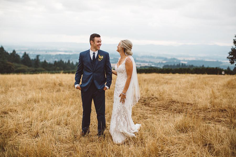 Vista-Hills-Vineyard-Wedding-Photos-12.jpg