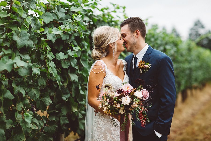 Vista-Hills-Vineyard-Wedding-Photos-35.jpg