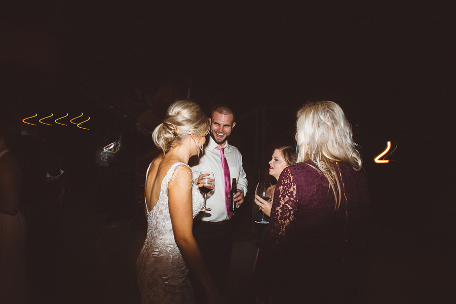 Vista-Hills-Vineyard-Wedding-Photos-150.jpg